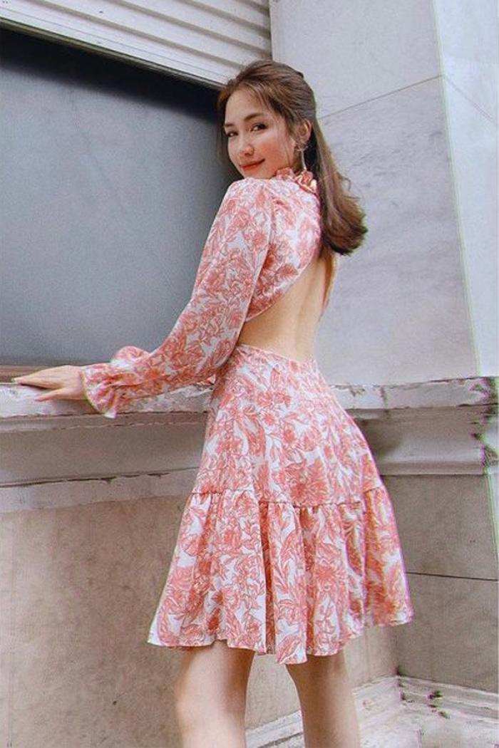 Mua cả lố váy xinh xắn nhưng Hòa Minzy vẫn phải thanh lý giá rẻ vì lỗi ngờ nghệch Ảnh 1